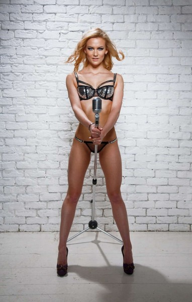 The-30-Hottest-Russian-women-curling-team-Photos_-Alexandra-Saitova---Ekaterina-Galkina---Anna-Sidorova--25-720x1128.jpg