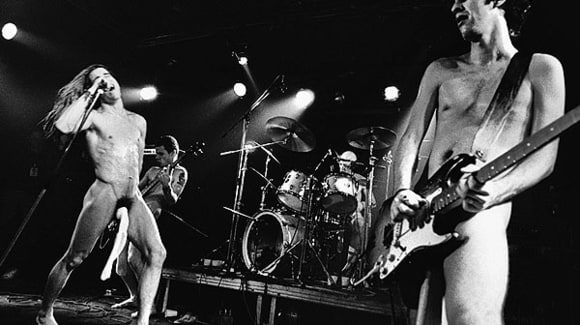 rs-102264-002Red_Hot_chili_peppers (1).jpg
